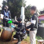 Policías sirvieron una merienda solidaria
