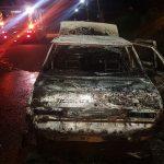 Un vehículo se prendió fuego y su conductor logró salir ileso