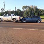 Dos lesionados leves tras siniestro vial entre dos vehículos