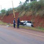 Un auto chocó contra un poste y hay dos heridos