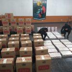 La Policía secuestró una camioneta cargada con 2.220 gruesas de cigarrillos