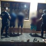 Tres detenidos por robar y lesionar a un hombre