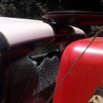 Arrojaron piedras al móvil de los Bomberos cuando intentaban sofocar un incendio