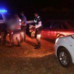 Conducía un vehículo en estado de ebriedad, realizaba maniobras peligrosas y fue detenido