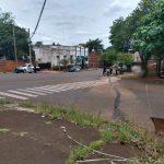 Choque entre un vehículo y una motocicleta dejó un herido en avenida Misiones