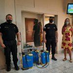 Donaron mochilas hidrantes a policías