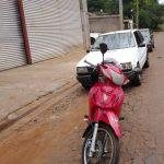 Motociclista resultó lesionada al impactar contra la puerta de un automóvil estacionado en Oberá