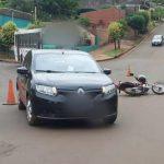 Choque entre un auto y una moto, dejó un hombre lesionado