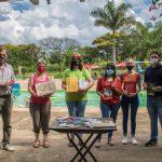 Entregan bibliografía de autores misioneros para bibliotecas de alojamientos