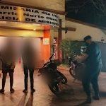 Dos motocicletas retenidas por infracción al tránsito y sus ocupantes detenidos por intentar huir y entorpecer el trabajo policial
