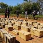En otro golpe al narcotráfico la Policía de Misiones interceptó un camión con 166 bultos de marihuana