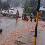 Vecinos cortaron calles pidiendo solución ante inundaciones