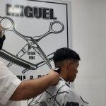 Rumbo a los 40 años de cortar el cabello a los obereños