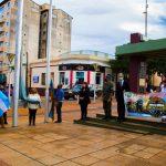 Veteranos de Malvinas izaron las banderas en el Centro Cívico