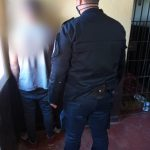 Arrestaron a un joven que atacó a golpes a un joven y a policías en Guaraní