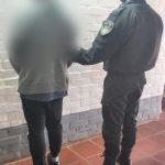 Incumplió una orden de restricción hacia su expareja, la amenazó y fue detenido