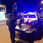 Conducía una motocicleta sin documentaciones, intentó huir de la Policía y terminó detenido