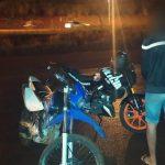 Circulaba en una motocicleta documentación apócrifa, intentó huir de la Policía pero terminó detenido
