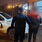 Un joven fue detenido por dañar una vivienda y amenazar a su propietaria