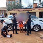 Dos jóvenes fueron detenidos por arrebatar una radio en Oberá