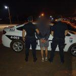 Un joven fue detenido por agredir a su concubina y su suegro en Barrio Norte
