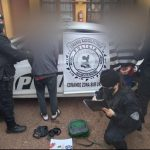 La Policía detuvo a dos jóvenes que intentaban abrir vehículos estacionados