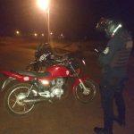 Secuestraron dos motocicletas sin papeles y detuvieron a un joven por realizar maniobras peligrosas