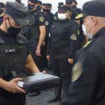 Estrenaron un nuevo tótem de seguridad y continúa la entrega de armas a policías