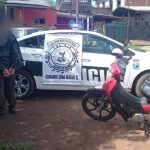 Evadió un control policial, agredió a los policías y terminó detenido