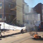 Acampe de tareferos frente a la Municipalidad de Oberá